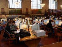 Gigante norte-americana quer digitalizar todos os livros do mundo até ao final da década apesar das queixas recorrentes em tribunais. Fotografia: AFP