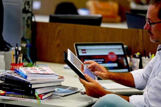 Luis Fernando Palermo, da Talk2, acredita que o conteúdo é o maior desafio ao criar um livro eletrônico | Foto: Jessé Giotti / Agencia RBS