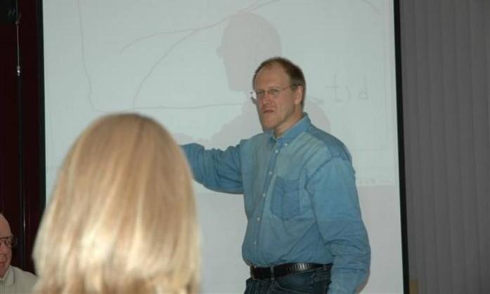 Além de escrever artigos para a Wikipédia, Sverker Johansson leciona na Universidade de Dalarna, na Suécia - Divulgação/ hem.hj.se  Read more: http://oglobo.globo.com/sociedade/tecnologia/autor-mais-produtivo-da-wikipedia-ja-escreveu-27-milhoes-de-artigos-quase-10-de-todo-material-13262849#ixzz37eXBm6Ia