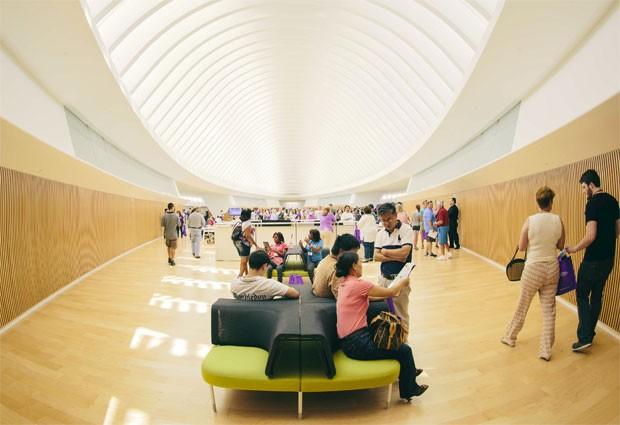 Prédio principal da Universidade Politécnica da Flórida foi desenhado pelo arquiteto espanhol Santiago Calatrava [Foto: Reuters/Divulgação/Universidade Politécnica da Flórida]