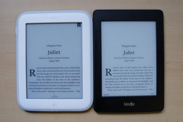 Kindle Paperwhite vs. Nook GlowLight: Battle of the light-up ebook readers
